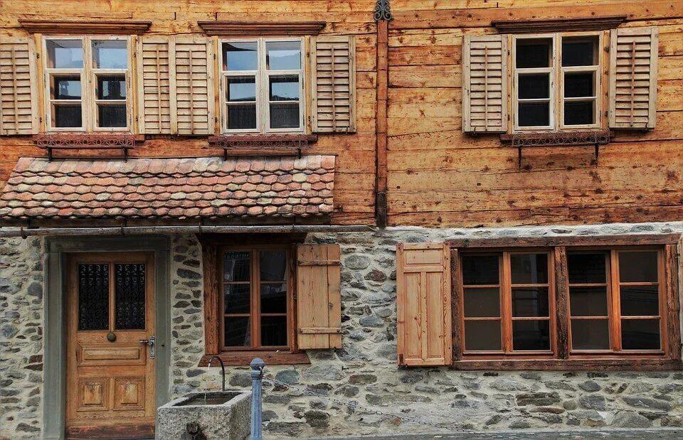Деревянный дом облицованный кирпичем. Новый тренд!